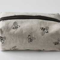 Dopp Pouch - Light Honeybees