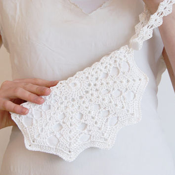White Queen Bridal Crochet Shell Clutch with Button