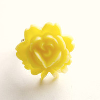 Yellow Flower Ring Vintage Rose ring resin brass pale yellow adjustable brass ring