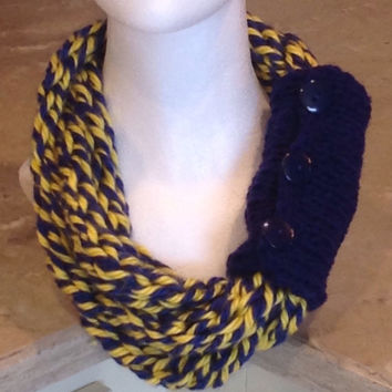 Michigan Wolverines Finger Knit Infinity Necklace Team Spirit Scarf