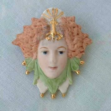 ML Signed Jester Porcelain Face Brooch Pin 1995 Jewelry