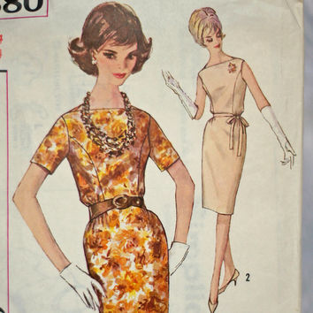 Women's Vintage Dress Sewing Pattern Simplicity 4880, Size 14 Medium Un-printed Pattern One Piece Dress with Bateau Neckline Slim Skirt