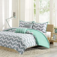 Intelligent Design Laila Duvet Cover Set (Green)