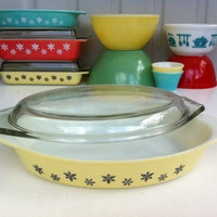 "Yellow Pyrex Snowflake open baker with lid! English JAJ Pyrex ""Gaiety' serving dish! Rare, collectible non-divided oval Pyrex oven dish."