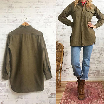 Vintage 1950's Deadstock MILITARY U.S Army Wool Button Down Field Shirt || Vietnam War || Mens Size Small