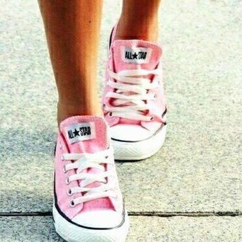 LMFUG7 Converse All Star Sneakers canvas shoes for Unisex sports shoes Low-top pink