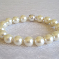 Cream Pearl Cat Collar, Hand Knotted Cat Jewelry Collar with Magnetic Ball Clasp, Holiday Pet Gifts, Wedding Cat Collar
