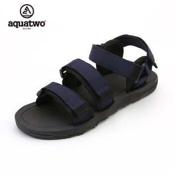 AQUATWO 2017 New Men Slippers Summer Canvas Buckle Strap Basic Sandals Canvas Shoes Zapatillas Hombre Casual Slippers Men