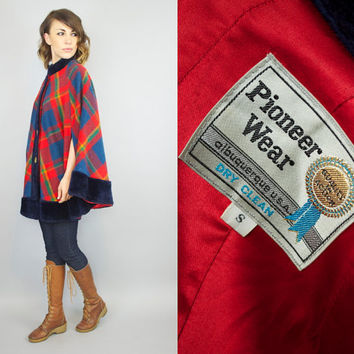 vintage 1960's COLORFUL PLAID wool + faux fur trimmed preppy mod bohemian CAPE coat poncho, extra small-small