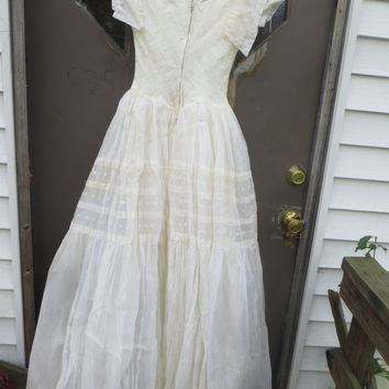 1940-1950  OFF WHITE organza  w embroidery  long gown wedding prom  ballroom  gown southern belle