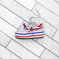 Nike WMNS Vandal 2K - Metallic Silver / University Red