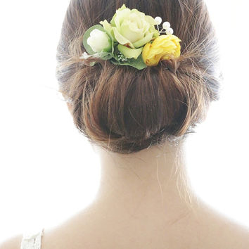 Bridal Hair Accessory, yellow ranunculus & green rose , Silk Flower Hair comb, Bridesmaid, Rustic Chic Romantic outdoor wedding woodland