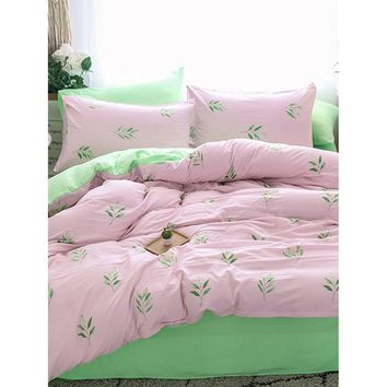 Allover Leaf Print Sheet Set
