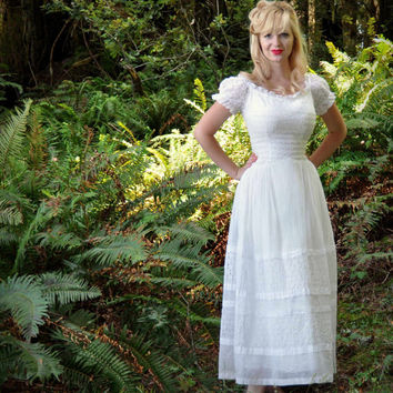 Vintage 50s Wedding Dress in White Eyelet Lace and Cotton Voile Off Shoulder Tea Length Party Dress S