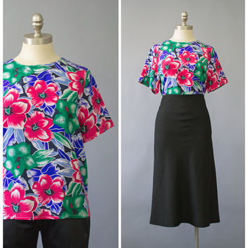 Vintage 80s Hawaiian Blouse / 1980s Graphic Floral Print Silk Blouse / Oversize Short Sleeve Secretary Blouse / S/M