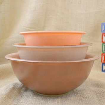 Vintage Pyrex Pastel Color Clear Bottom Nesting Bowls // tan, peach and brown glass Pyrex bowls // Nesting Pyrex bowls
