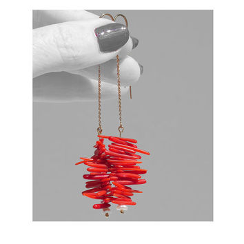 Dangle threader earrings pearl red coral 14k gold fill Modern design boho thread Contemporary Asian Beach style jewellery Sexy sophisticated