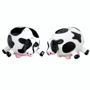 Boston Warehouse Udderly Cows Salt and Pepper Shaker Set