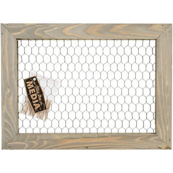 Mix The Media Wooden Framed Chicken Wire with 6 Clothespin Clips