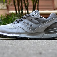 Saucony Shadow Master (greyscale) - SneakerFF