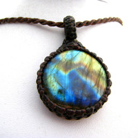 Labradorite / Labraorite Necklace / Jewelry / Healing stone / Metaphysical / Stone / Labradorite Jewelry / Macrame / Inspirational /