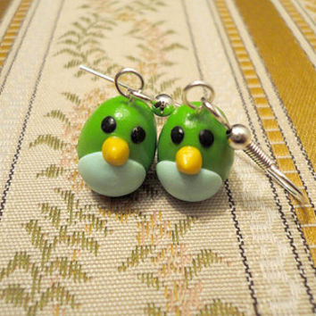 Bright green bird earrings handmade from green by NellinShoppi