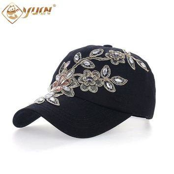 2017 Vintage Style Adjustable Hat Floral Embroidery Rhinestone Curved Baseball Cap For Women B038