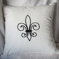 Fleur de lis Black & White Pillow Cover