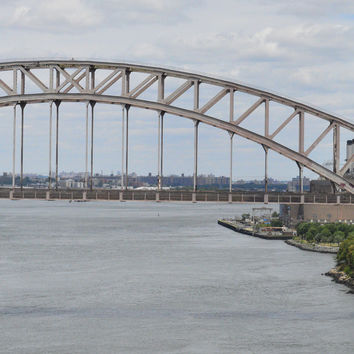 Image of the Hell Gate Bridge in New York