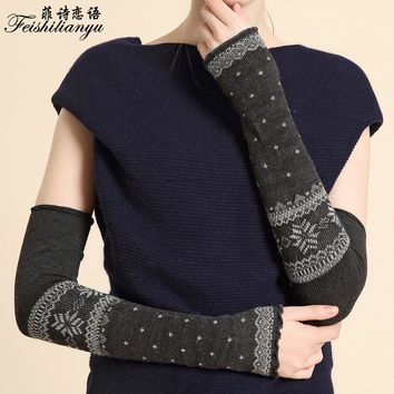 2017 warmer long gloves female arm warmers new fashion half fingers mitten winter high quality hand knitted