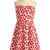 Ladybug in Red Dress | Mod Retro Vintage Dresses | ModCloth.com