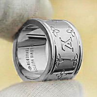 Louis Vuitton LV Hot Sale Women Men Fashion Couple Ring Accessories Silvery