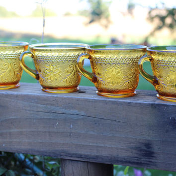 4 vintage Tiara Glass Sandwich-Amber snack plates and cups, retro Daisy amber glass, retro tableware and barware, Tiara Sandwich dinnerware