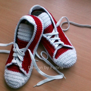 Free Knitting Pattern For Baby Tennis Shoes : Crochet Mens Womens Slippers, house knits from FotinaUkraine on