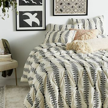 Embroidered Lilou Quilt