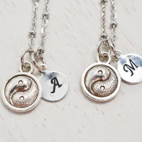customized best friend necklace set,ying yang necklace,best friend gift,matching couples,yoga jewelry,friendship jewelry,bff necklace,zen