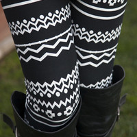 Black & White Chevron Leggings