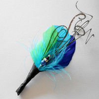 Wedding Boutonniere Feather Boutonniere Lapel Pin in Green Blue Feathers Peacock Curls