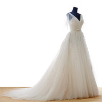 New white lace wedding dress lace up a-lin wedding gowns Closure and Chapel Train