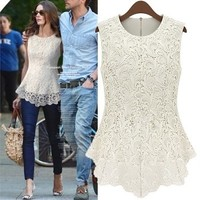 Sleeveless lace blouse | fashion1