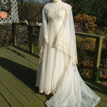 Vintage 1970s lace hippie fairy wedding dress poet sleeves wateau train lace trim lord of rings renassaince