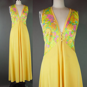 Vintage 70s Olga Gown Psychedelic Nightgown Loungewear Fitted First Lady of Underfashions