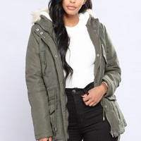 Mammoth Hooded Jacket - Olive