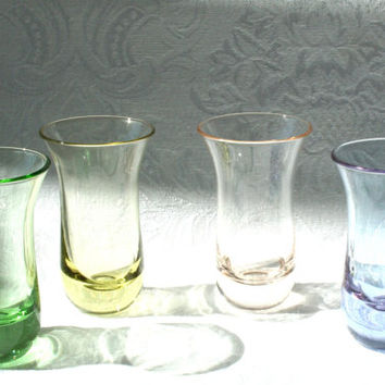 Vintage Multi Colored shot Glasses, Set of 4 Multi Colored Cocktail Shot Glasses, Yellow Peach Green Blue Shot Glass Set, Vintage Cocktail