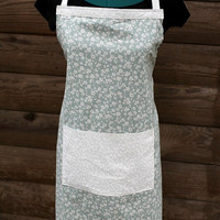 Full Apron in Green and Cream Flower with Pocket