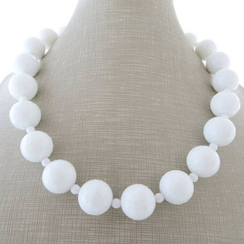 White chunky necklace, agate necklace, gemstone choker, big bold necklace, beaded necklace, contemporary italian jewelry, mother's day gift