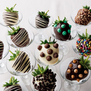 Golden Edibles Chocolate-Covered Strawberries