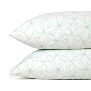 Pinwheel Pillowcase Set