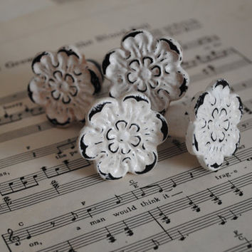 White/Vintage Dresser Knobs / Drawer Pulls / Chippy Drawer Knobs/Cottage Chic/ Antiqued/Distressed Knobs/Cabinet Pulls/Drawer Knobs