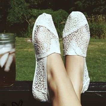 onetow One-nice? TOMS Natural Crochet Classics Flats Fashion hollow Summer Sexy Loose Shoes White